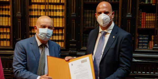 El Instituto de Estudios Humanísticos, con sede en Alcañiz, dona su fondo editorial a la biblioteca del Senado