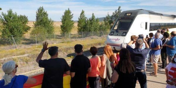 Teruel Existe denuncia que desde 2013 cada cambio en los servicios del tren ha vaciado la línea Zaragoza-Valencia