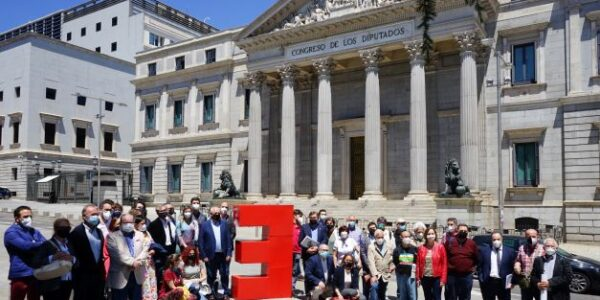La España Vaciada denuncia que se sigue promoviendo una España a dos velocidades, por el anuncio de la ampliación del Prat y Barajas