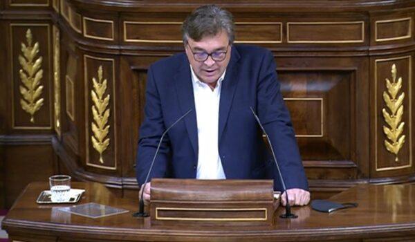 En el Congreso, Teruel Existe denuncia que el encarecimiento de la luz no puede ser excusa para la invasión de proyectos de renovables