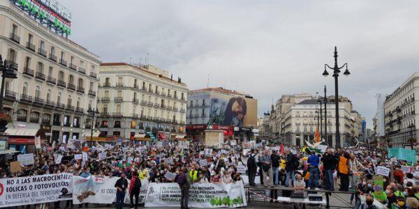 Manifestación histórica, Renovables sí pero no así, 15000 personas en Madrid con Aliente y 180 plataformas